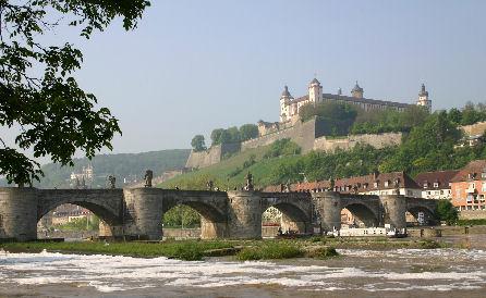 Würzburg - Alte Mainbrücke und Festung